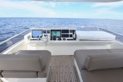 75 Prestige Yachts Flybridge Island Girl