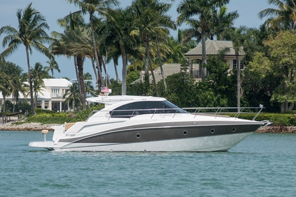 New 2013 CRUISERS 41 CANTIUS Yacht