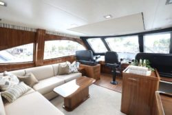 Enclosed Flybridge 2018 Viking MY