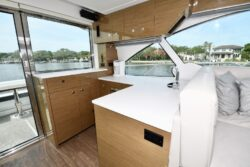 2019 Cruisers Yachts 50 Cantius Cat's Meow