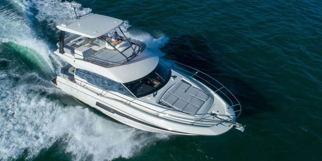 New Prestige 460 Flybridge Yacht