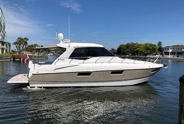 New 2011 CRUISERS 48 CANTIUS Yacht
