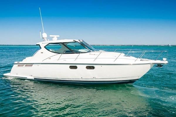 New 2011 TIARA YACHTS 39 SOVRAN Yacht