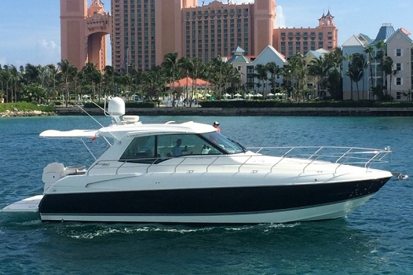 New 2012 CRUISERS 48 CANTIUS Yacht