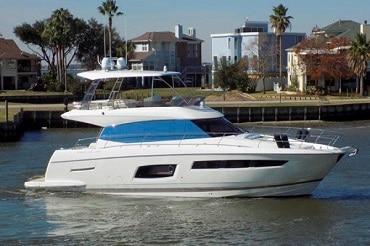 New 2015 Prestige Yachts 550 Flybridge Yacht