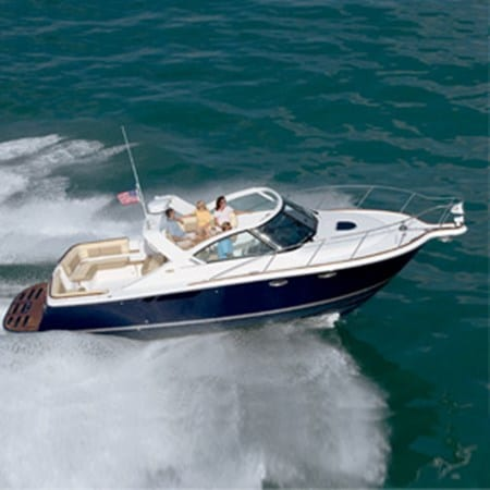 Tiara 3100 Open running
