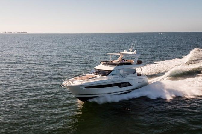 Prestige 630 Motor Yacht