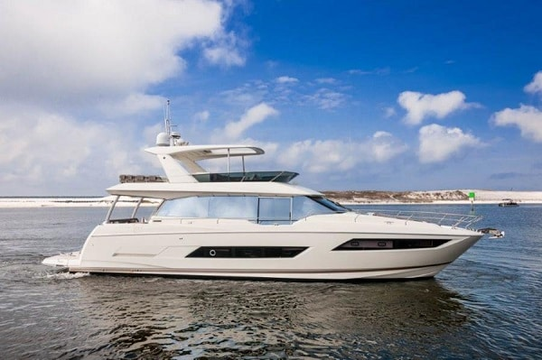 New 2018 Prestige Yachts 680 Flybridge Yacht