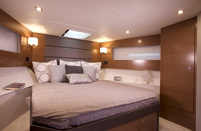 Cruisers 42 Cantius bedroom