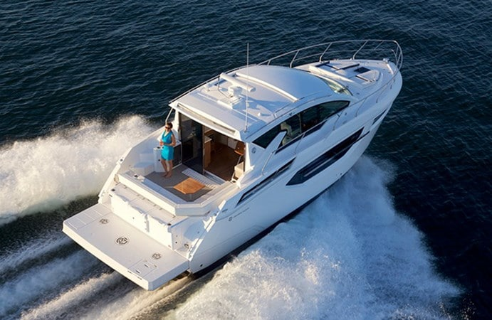 Cruisers 42 Cantius Yacht