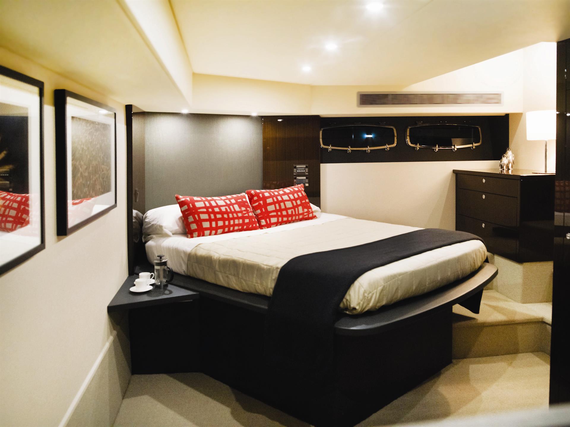 Maritimo S51 Bedroom