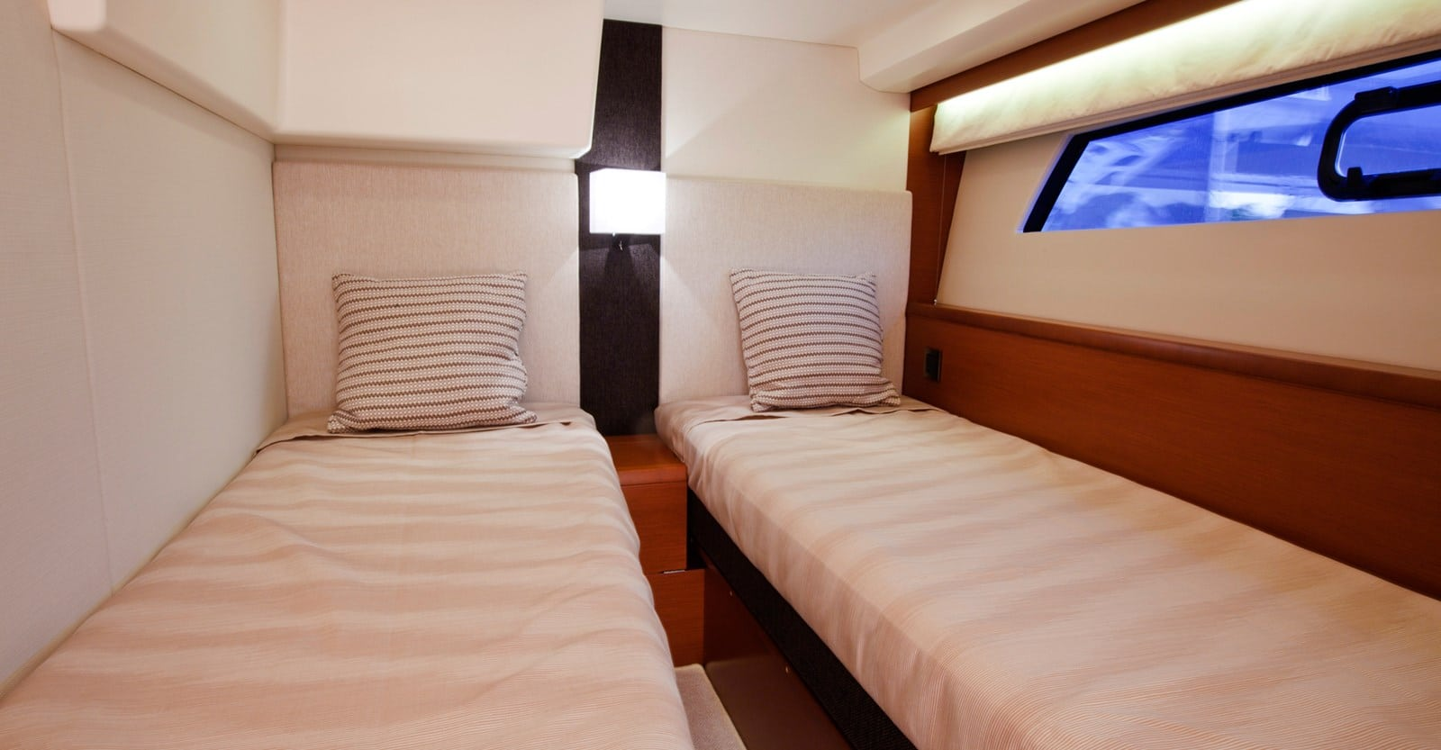 new prestige 500s yacht guest stateroom