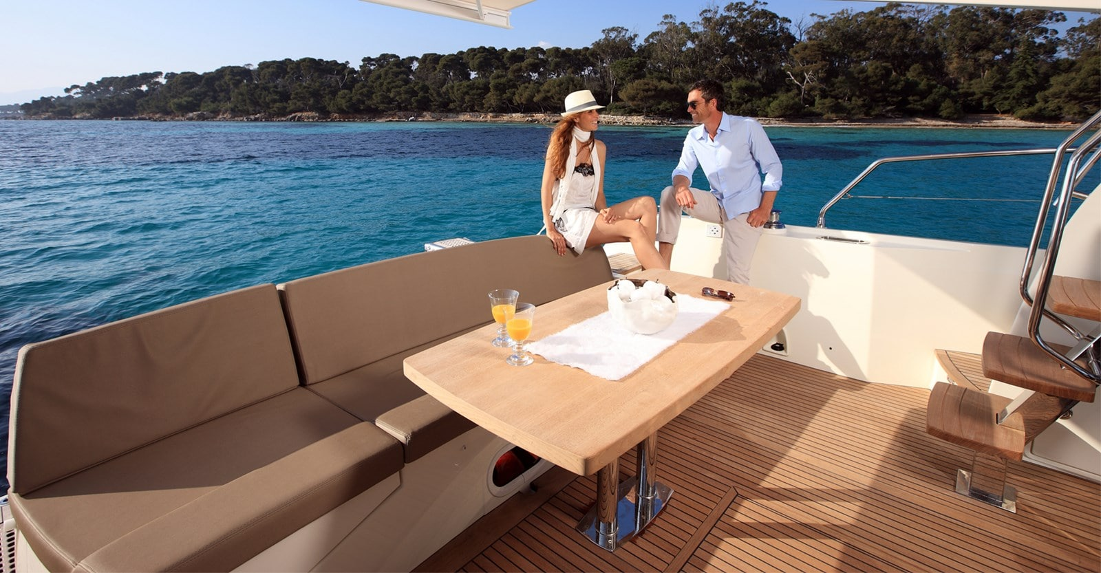 new prestige 560 yacht aft seating