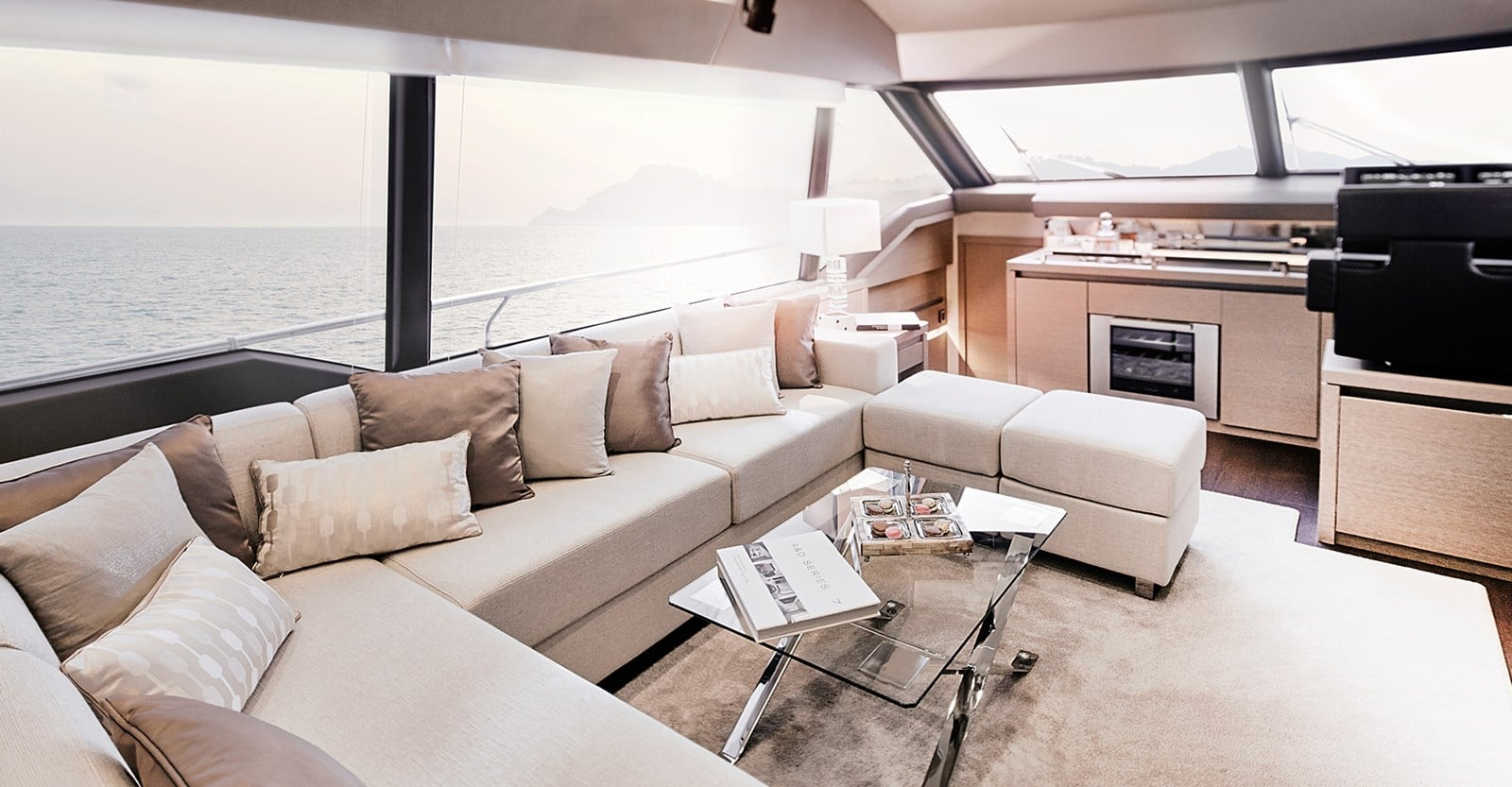 new prestige 680 yacht salon seating