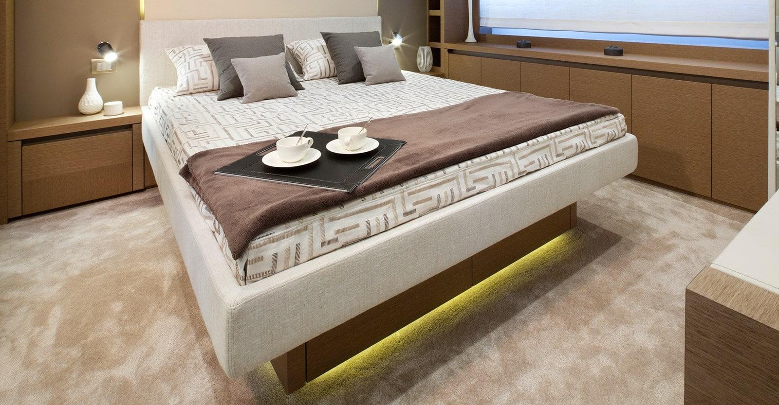 new prestige 750 yacht vip stateroom
