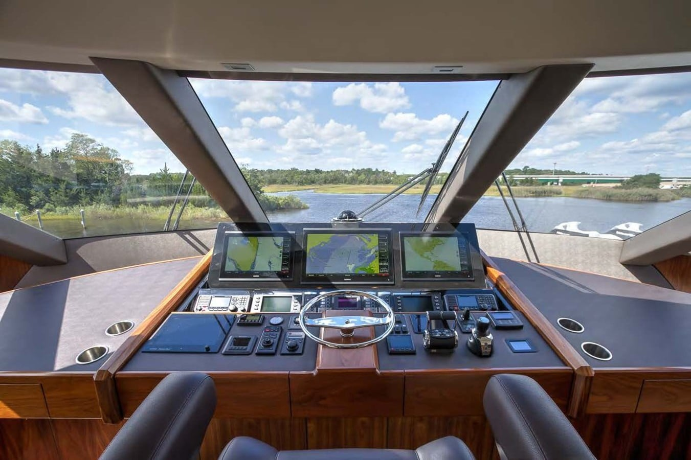 new viking 93 motor yacht bridge helm