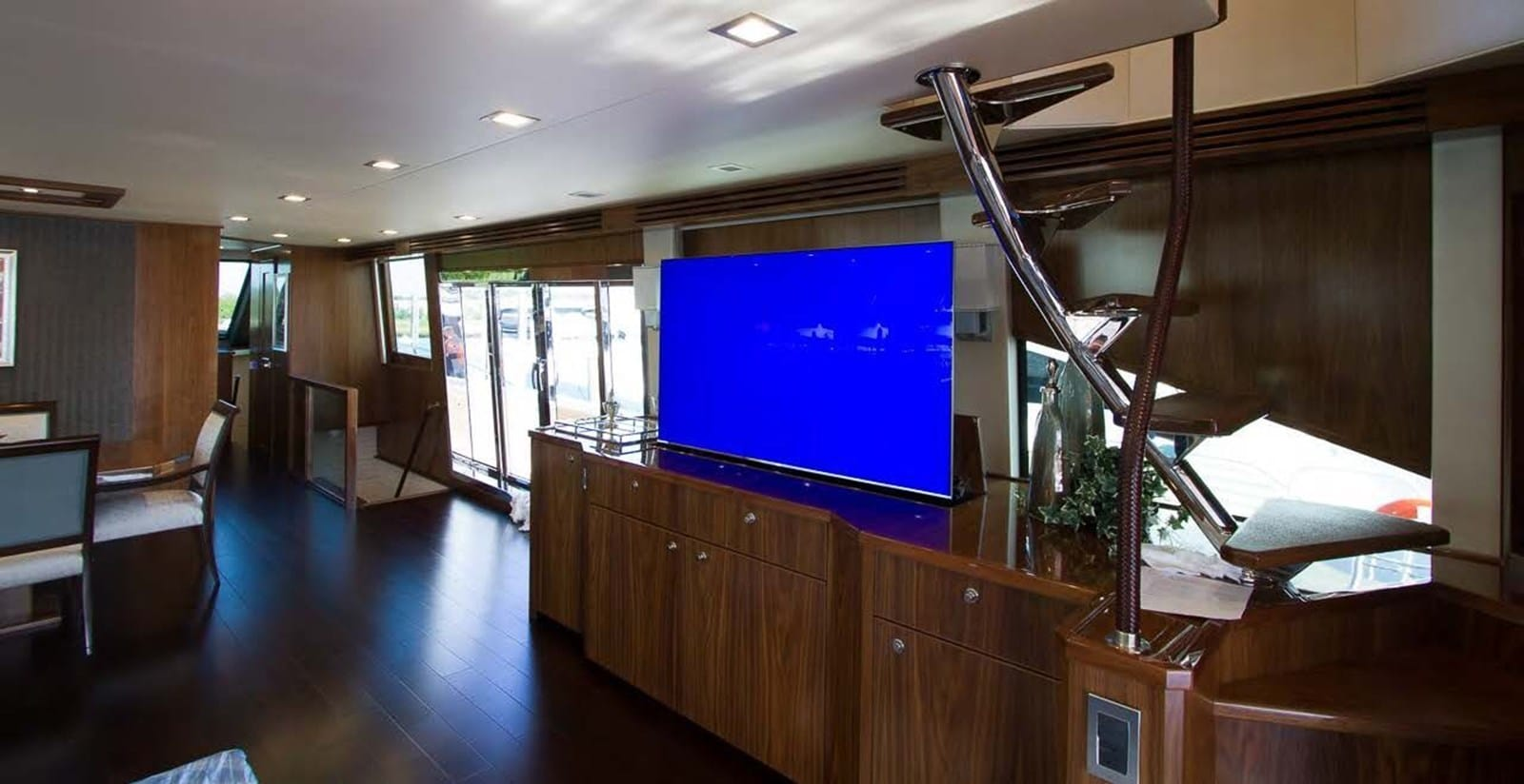 new viking 93 motor yacht salon entertainment center