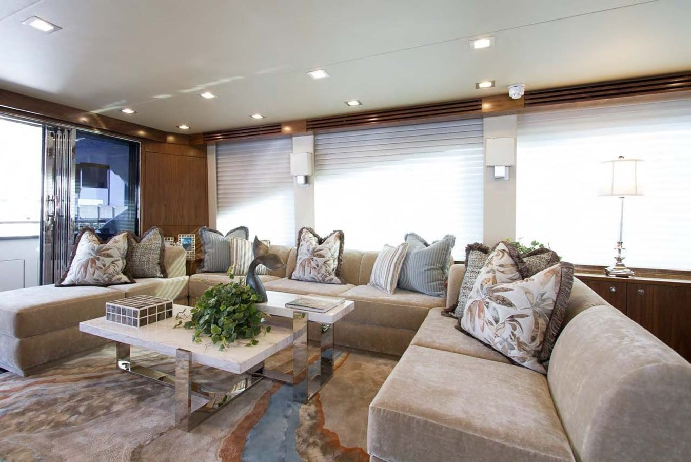 new viking 93 motor yacht salon seating