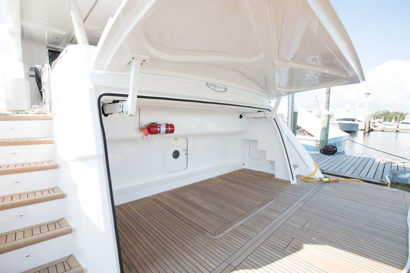 new viking 93 motor yacht transom