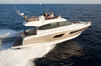 New Prestige 420 Flybridge Yacht