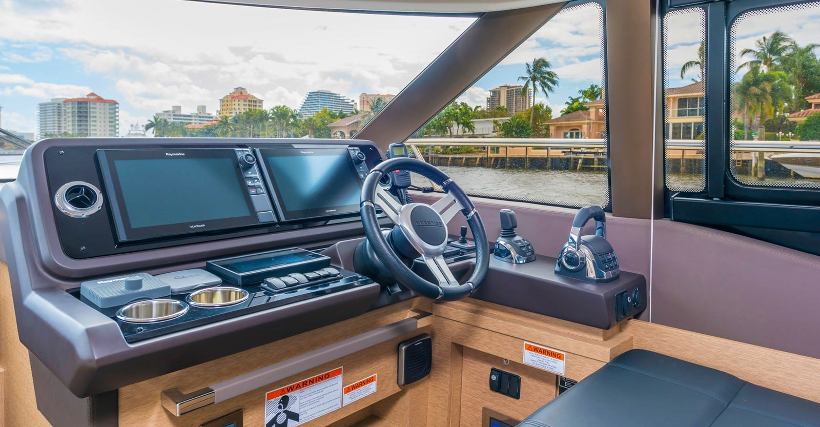 prestige 460 yacht lower helmjpg