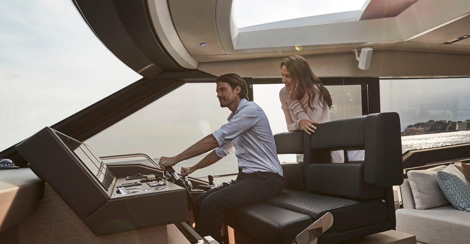 prestige 680s yacht helm
