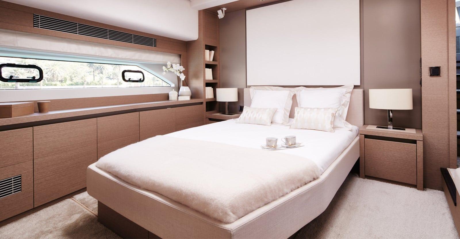 prestige 680s yacht master stateroom