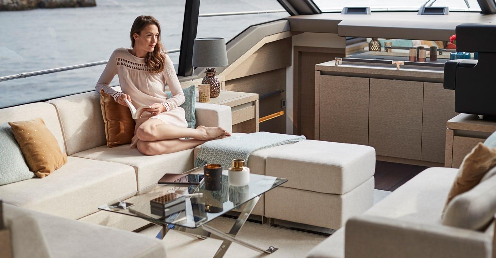 prestige 680s yacht salon