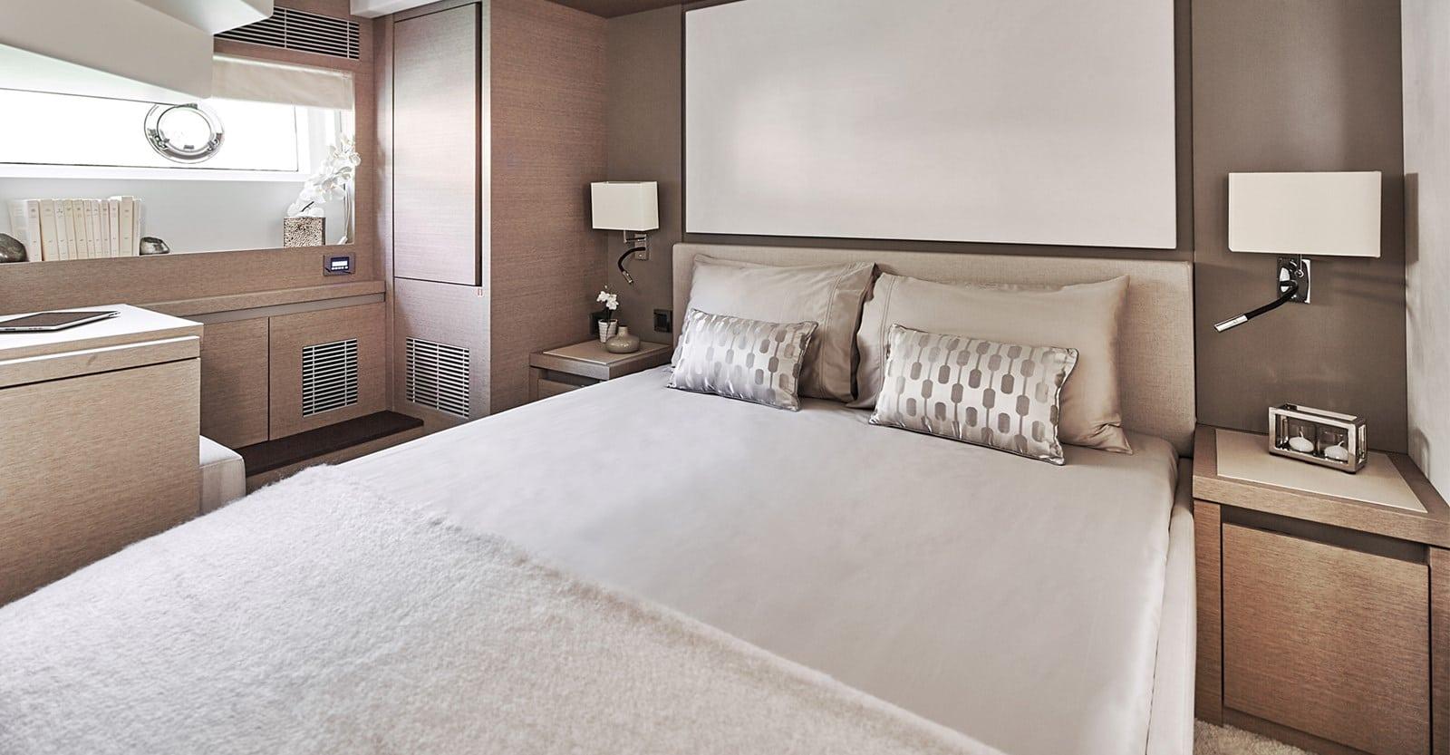 prestige 680s yacht vip stateroom