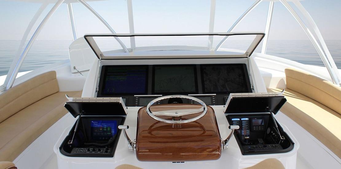 _0000s_0000_viking 72 convertible yacht helm
