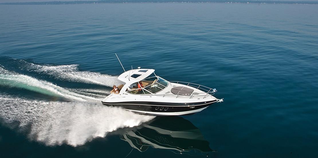 _0000s_0001_new cruisers 35 express yacht running