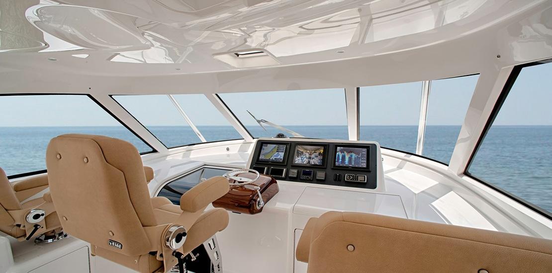 _0000s_0004_viking 52 st yacht helm