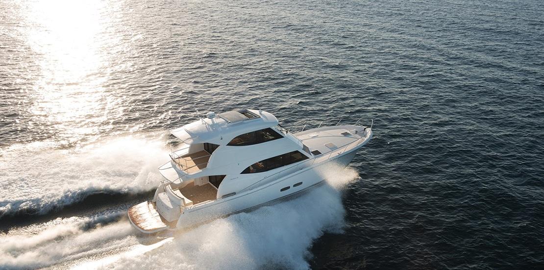 _0000s_0005_maritimo m54 yacht running