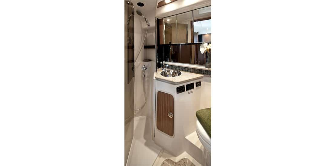 _0000s_0006_new cruisers 38 express yacht head