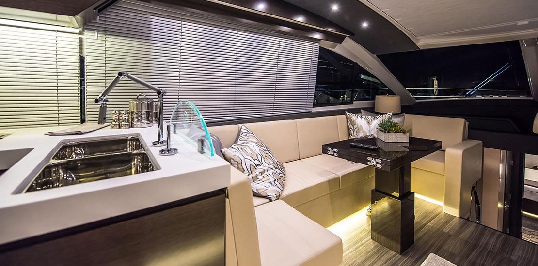 _0000s_0007_new cruisers 60 flybridge yacht dinette
