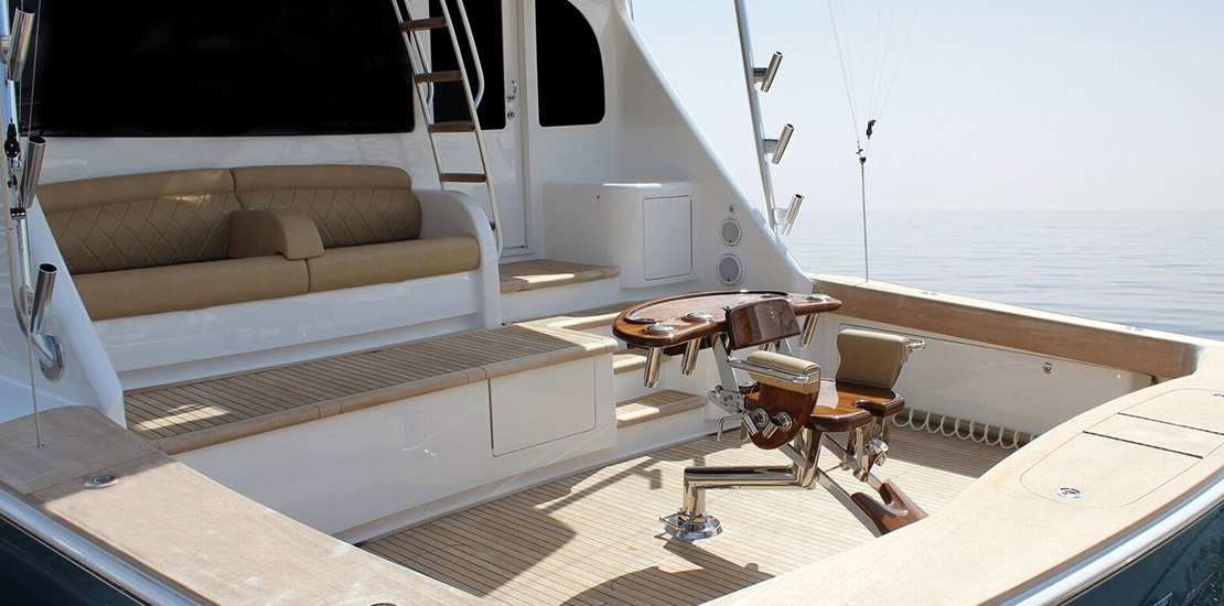_0000s_0014_viking 72 convertible cockpit