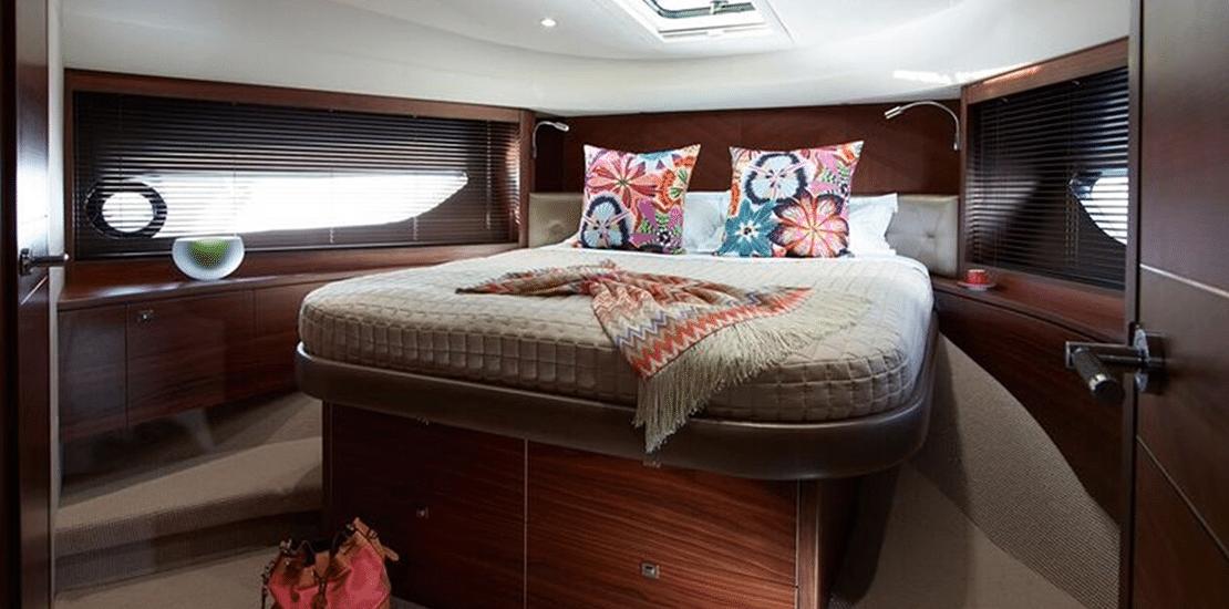 NEW PRINCESS 82MY_0001s_0001_new princess 82 motor yacht vip stateroom