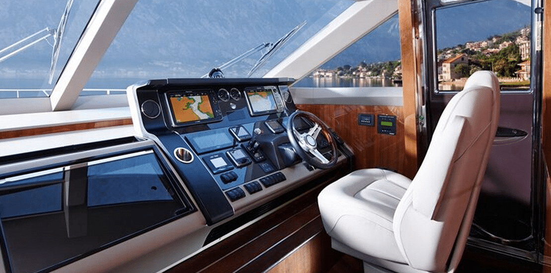 NEW PRINCESS 82MY_0001s_0008_new princess 82 motor yacht helm