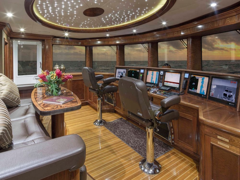 Yacht Excellence Interior Captains Deck