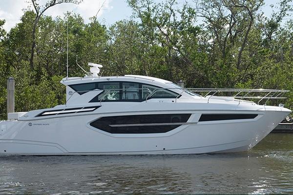 New Cruisers 42 Cantius  Yacht