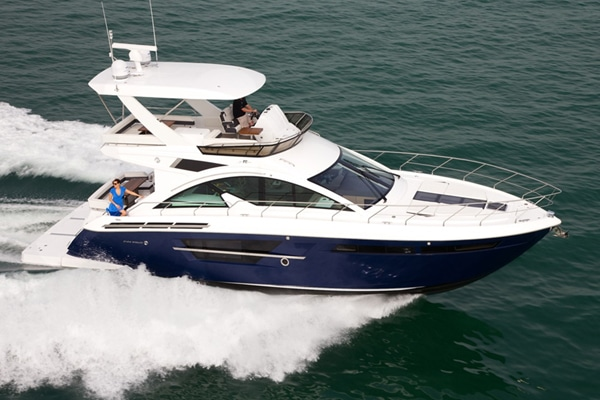 New Cruisers 54 Flybridge Yacht