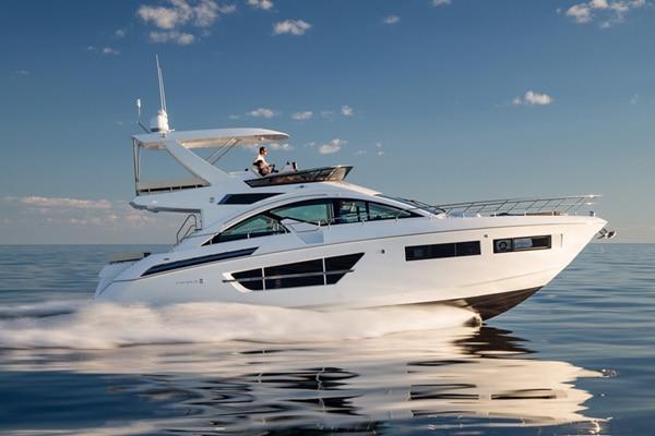 New Cruisers Yachts 60 Flybridge Yacht