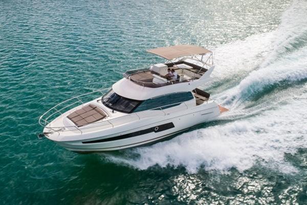 New Prestige Yachts 460 Flybridge Yacht