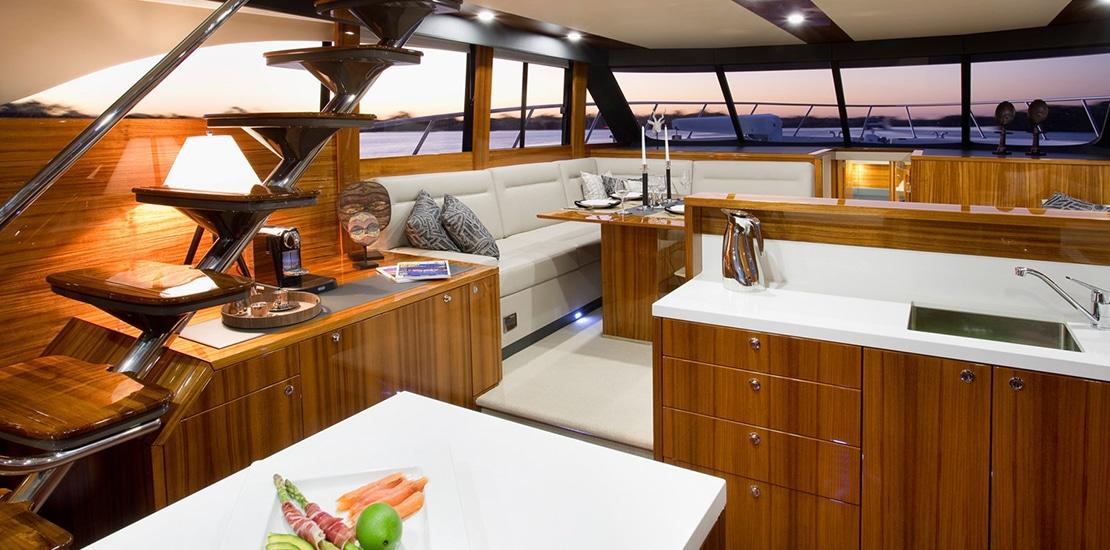 maritimo 64_0000s_0001_maritimo m64 yacht salon