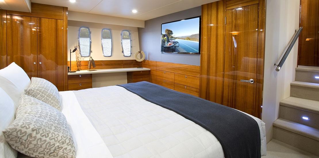 maritimo 64_0000s_0002_maritimo m64 yacht master stateroom