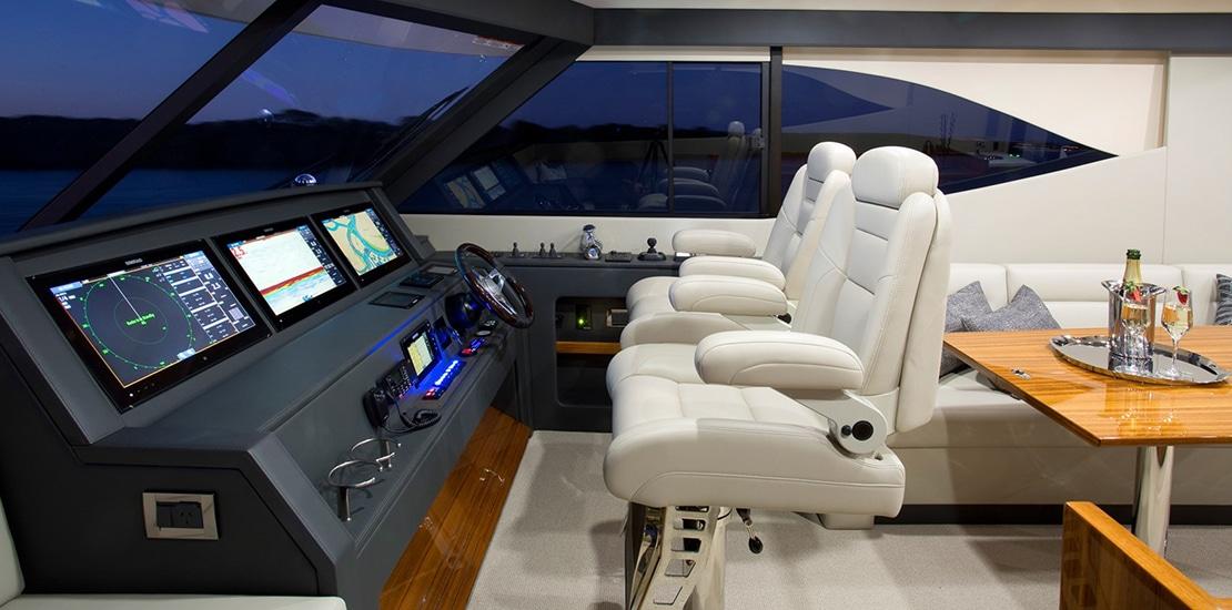 maritimo 64_0000s_0004_maritimo m64 yacht helm
