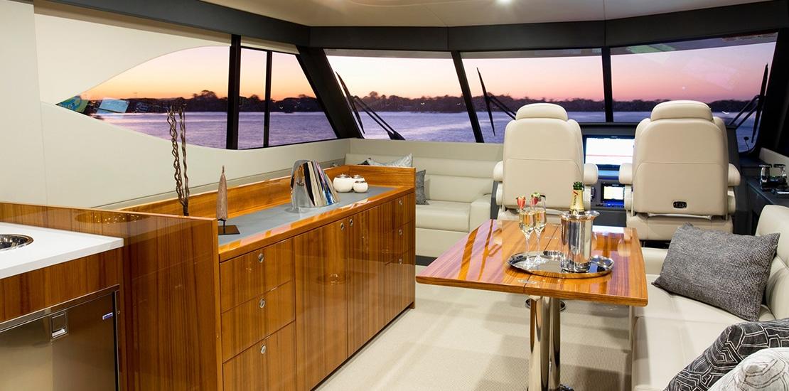 maritimo 64_0000s_0008_maritimo m64 yacht flybridge