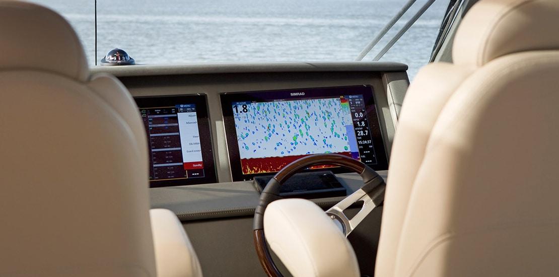 maritimo m59_0005_maritimo m59 yacht helmjpg