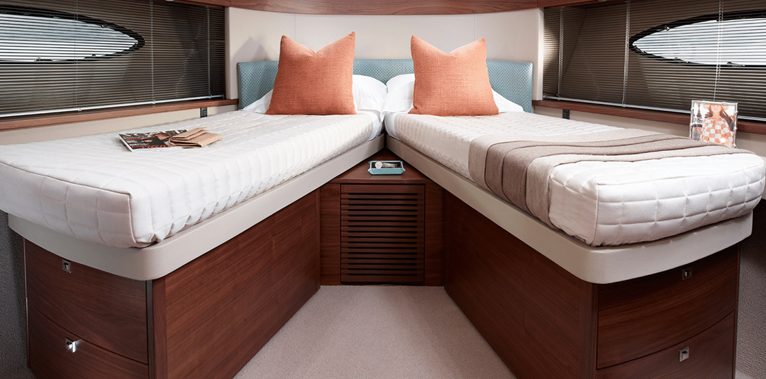 new princess 49fb_0003s_0010_new princess 49 flybridge yacht forward guest stateroom