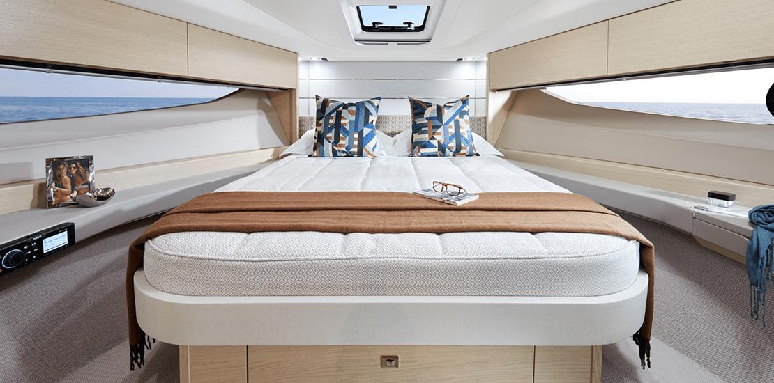 new princess v40exp_0004s_0002_princess v40 express yacht maste stateroom